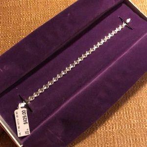 Jewelry - Women's tennis bracelet NWT